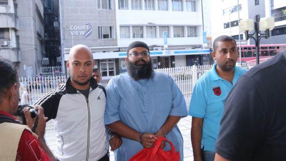 Rassemblement illégal : Javed Meetoo libéré sous caution