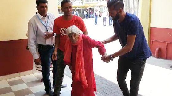 Mooneera Sheik Fareed, 85 ans : «Zordi mo finn vinn vote, mo pa kone pou lane prosen si mo pou la»