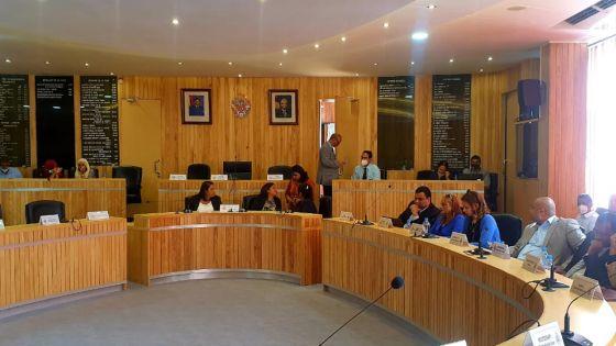 Mairie de BB/RH : Motion réclamant le départ du maire Ken Fong, suivez notre live