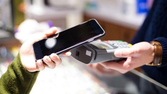 Smartphones - m-payment : les possibilités et limites des services offerts
