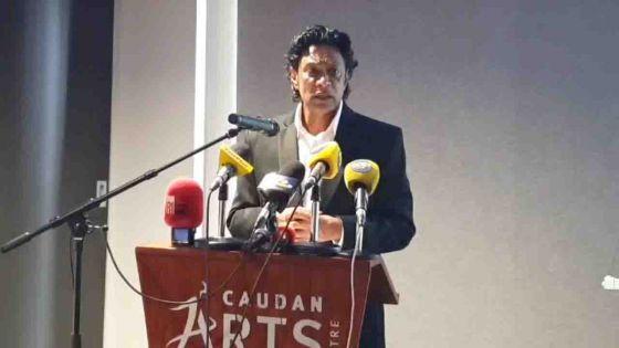 Nando Bodha : suivez en direct sa première conférence de presse depuis sa démission