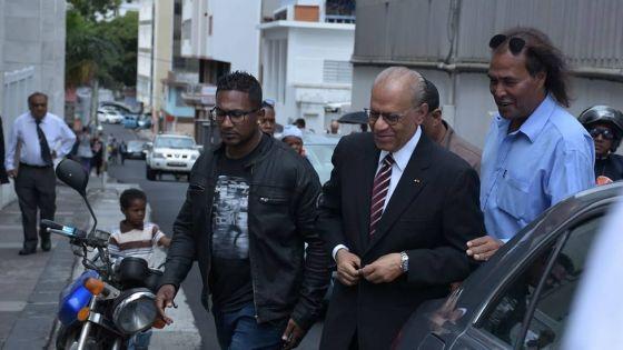 Affaire des coffres-forts : les 23 accusations contre Navin Ramgoolam rayées par la Cour intermédiaire