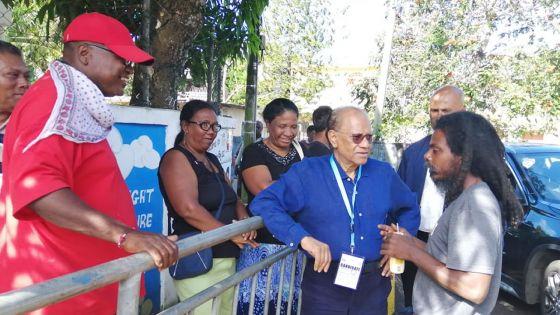 Allégations de Ramgoolam : «li pou donn zot Rs 1000 par biltin» ; le Commissaire électoral affirme qu'aucun «incident de la sorte n'a été rapporté»