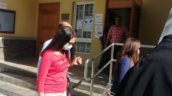 Enquête judiciaire : Neeta Nuckchedd nie avoir obtenu des contrats sur l'intervention de son ami d'enfance Yogida Sawmynaden