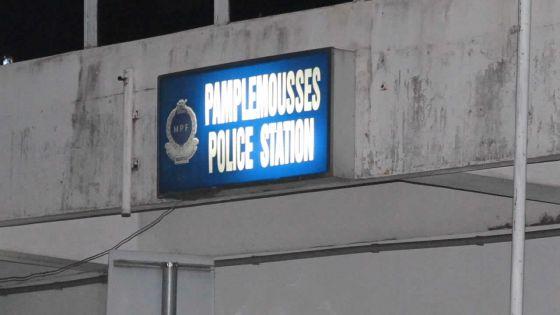 Trafic de drogue à Pamplemousses : une cinquantaine de personnes rendent une perquisitiondifficile
