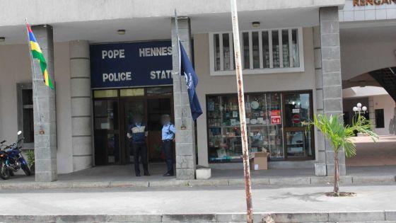 Vol avec violence dans la capitale : ensemble, mère et filleont lutté contre le voleur