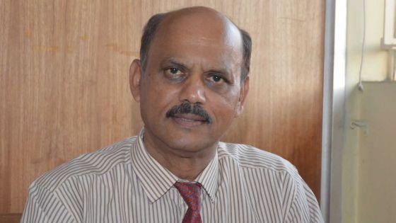 Fonctionnaires au travail : Radhakrishna Sadien dénonce l'absence de «bon sens»