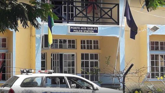 Pointe-aux-Sables : des sacs de ciment retrouvés dans une maison abandonnée, la police ouvre une enquête
