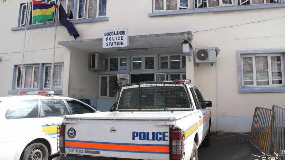 Goodlands :Gro Derek arrêté pour vol de portable