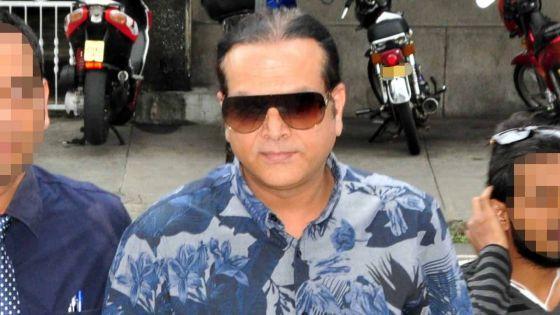 L'accusation provisoire de blanchiment d'argent contre Shahebzada Azaree rayée