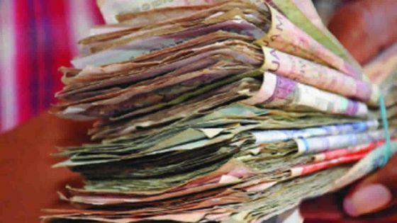 Billets de banque : Rs 692 millions en vadrouille