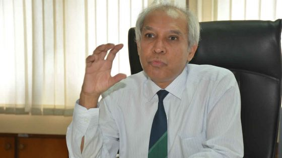 Abolition des examens d'entrée pour les aspirants médecins - Anwar Husnoo : «Ce n'est pas à cause des élections»