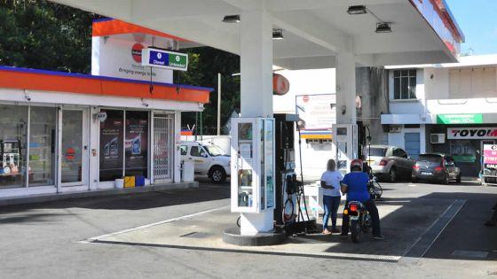 Braquage à d'Epinay : deux individus encagoulés attaquent trois pompistes de la station-service Indian Oil