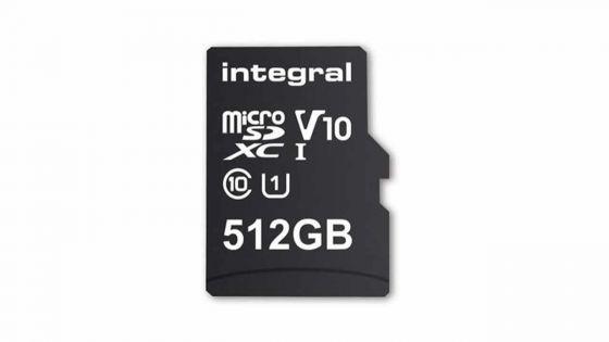 Une carte mémoire microSD de 512 Go