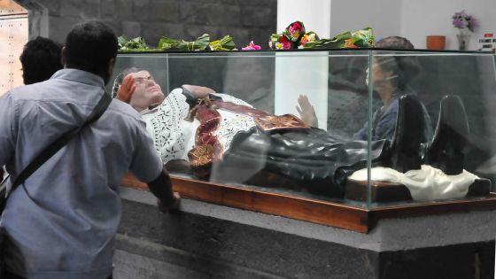 « Le pèlerinage au caveau du père Laval maintenu », annonce le père André Sunassee