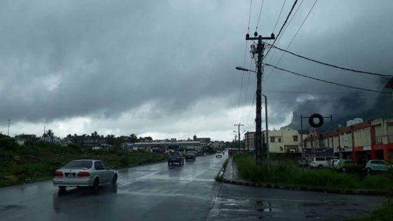 Météo : de la pluie et des vents forts, prévus demain après-midi, par la station de Vacoas