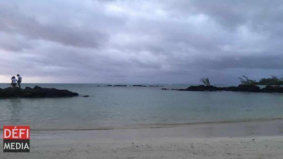 Météo : l'avis de fortes houles enlevé à Maurice, maintenu à Rodrigues jusqu'à 16 heures