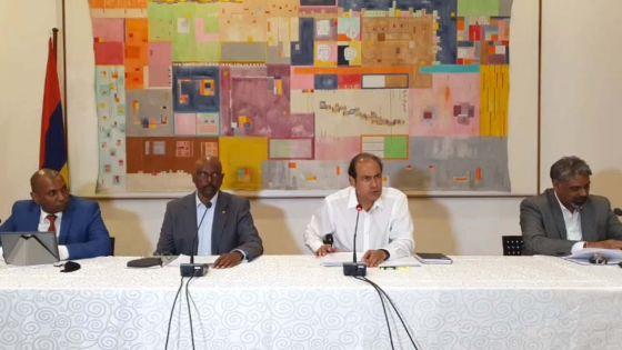 Wakashio : «Le navire ne représente aucun danger majeur pour nos lagons», dit Obeegadoo