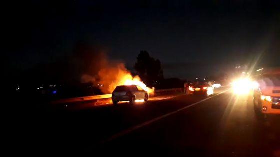 Beaux-Songes : une voiture prend feu