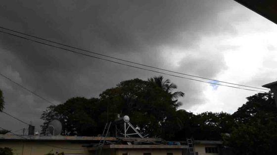 Communiqué spécial de la météo – averses et orages ce soir