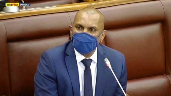 Padayachy présente le Finance Bill qui prévoit des amendements à 71 textes de loi