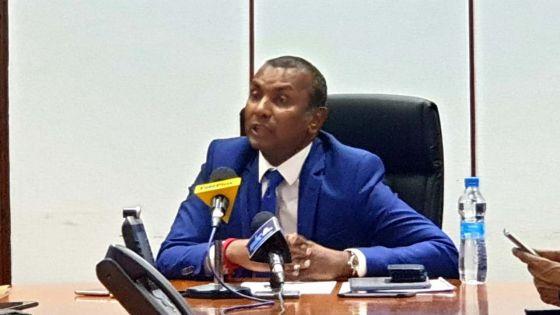 Coronavirus : suivez en direct la conférence de presse du ministre des Finances