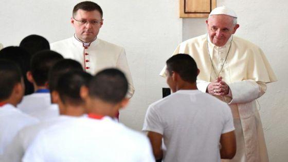 Comment vous adresser au Pape François si vous avez la chance de lui parler ?