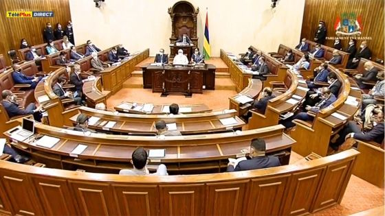 Motion de blâme contre le Speaker : suivez en direct les débats