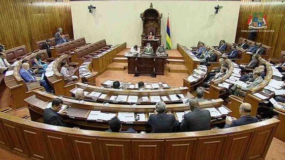 Parlement : Trois motions à l'agenda ce vendredi, suivez notre live