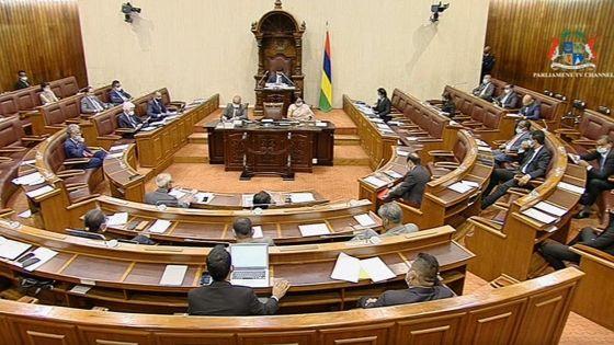 Parlement : suivez en direct les débats autour de la «Motion of Disallowance» contre la CSG