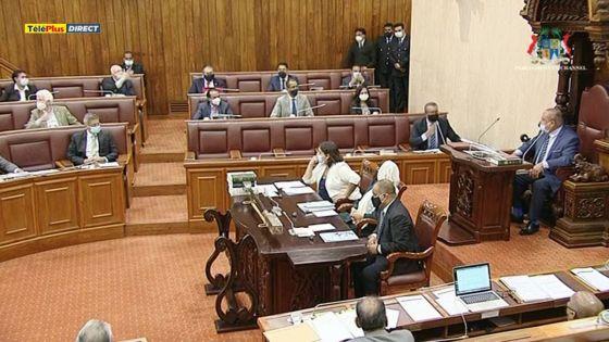 PMQT : le temps pris par le PM pour répondre une question provoque la colère des parlementaires de l'opposition