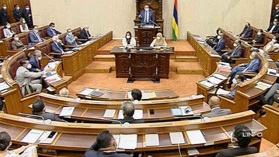 Accrochage verbal Shakeel Mohamed/Pravind Jugnauth : la séance suspendue