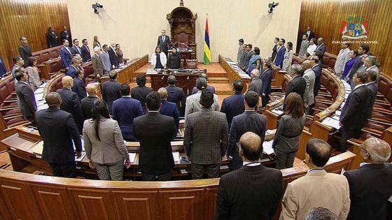 Séance orageuse au Parlement