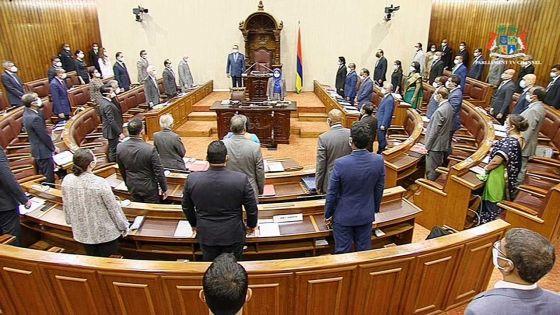 Parlement : le rapport du PRB, la prison, le GIS, et Hyperpharm Ltd intéressent l'Opposition
