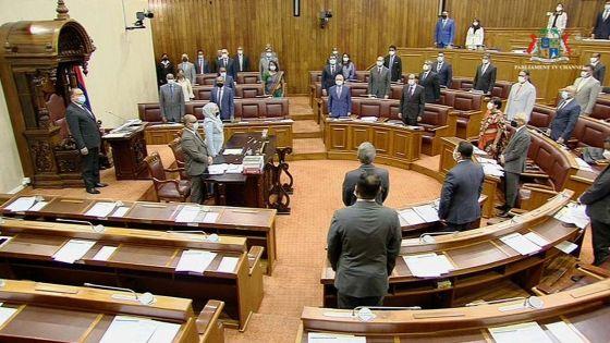 Parlement : suivez la PNQ axée sur Agalega