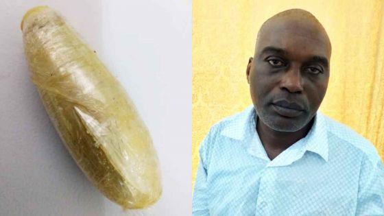Un passeur congolais purge Rs 18 millions d'héroïne