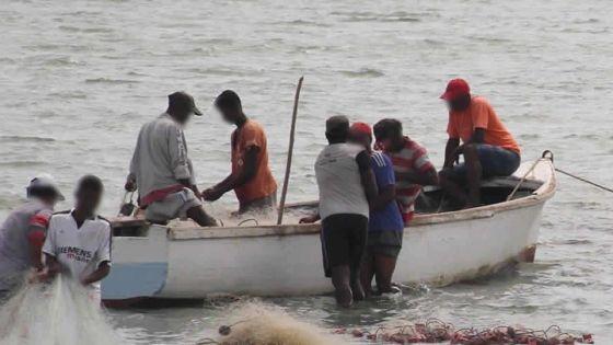 Allocation de mauvais temps : la fédération des associations de pêcheurs va rencontrer le ministre Prem Koonjoo