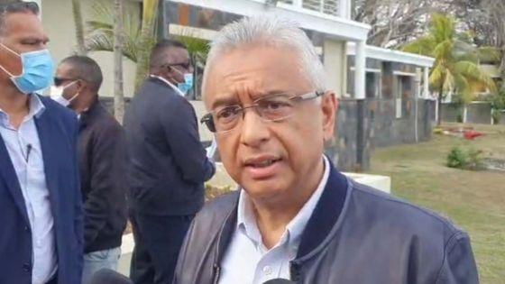 Fuite d'huile du Wakashio : suivez en direct le point de presse du Premier ministre