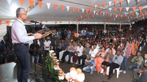 «Le salaire minimum sera revu à la hausse l'année prochaine», annonce Pravind Jugnauth