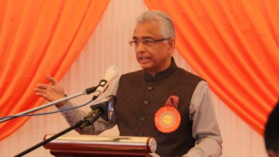 «La force du Swami Dayanand, c'est sa conviction ; ce qu'il a fait, il l'a fait sans brandir le poing», dit le PM