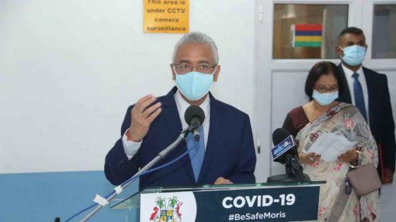 A l'hôpital de Flacq : Pravind Jugnauth rencontre les «frontliners» du service de santé publique