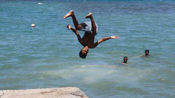 En images : Le public de retour sur les plages du Sud-est