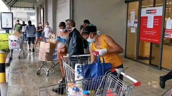 Ravitaillement oblige, le Mauriciens bravent le mauvais temps