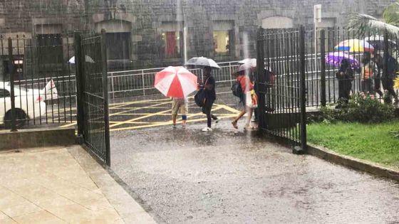Météo : un lundi pluvieux, prévoit la station de Vacoas