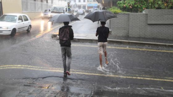 Météo : une brise de mer provoque des averses orageuses dans plusieurs régions de Maurice
