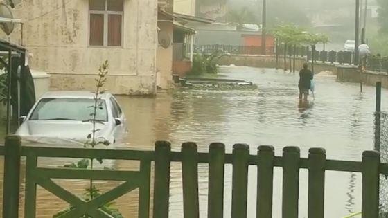 Pluies torrentielles : inondations principalement dans le Sud, l'Est et sur le Plateau central