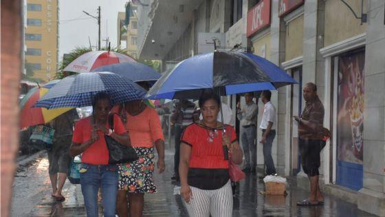 Météo : un avis de pluies torrentielles pas envisagé à ce stade
