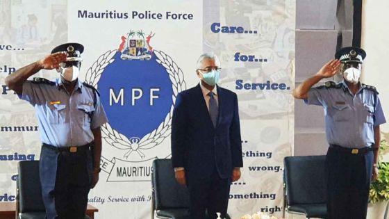 Covid-19 : Pravind Jugnauth rencontre les «frontliners» de la force policière