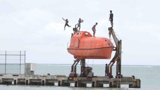 Pointe-aux-Sables : malgré le mauvais temps, certains font fi des consignes de sécurité