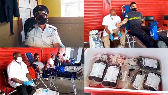 Don de sang à la caserne des pompiers de Forest-Side